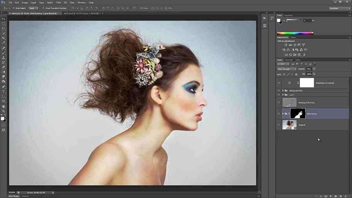 How to Retouch and Airbrush Skin in Photoshop